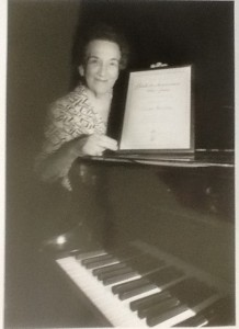 Grace Newman in Nov 1996 with her Lifetime Achievement Award.